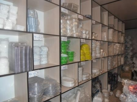 فروش ظروف یکبار مصرف در فروشگاه